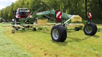Swadro TS, la nouvelle gamme d'andaineur double rotors de Krone.