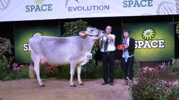 Harmonie � la Scea des Fontaines (44) sacr�e grande championne
