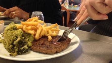 Devant la force des burgers, la contre-attaque de la profession�s'impose