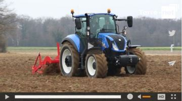 Polyvalents, maniables et compacts, les T5 New Holland mill�sime 2016 arrivent