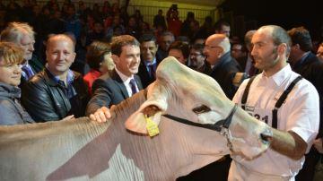 Manuel Valls �nonce ��trois chantiers�� pour venir en aide � l'�levage