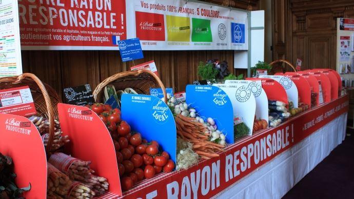 Dans ses doléances pour une nouvelle politique de l'alimentation, la Confédération paysanne défend une relocalisation contractuelle de la production.