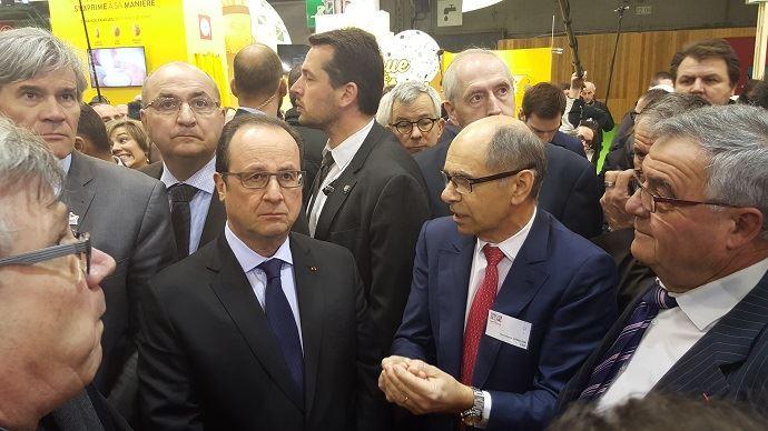 Lors de l'édition 2016 du Salon de l'agriculture, Stéphane Le Foll et François Hollande avaient essuyer de très nombreux sifflets et des insultes de la part d'agriculteurs en colère.