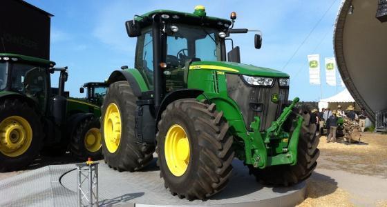 Le John Deere 7280R élu tracteur de l'année 2012