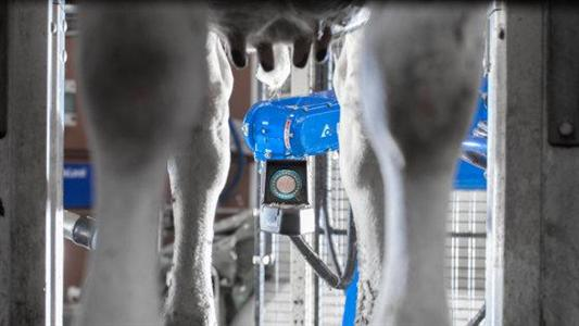 DeLaval d�voile en avant-premi�re son robot de spray post traite : le Tsr