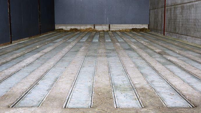 Le séchoir en grange totalement autoconstruit du Gaec Hannebique se présente en deux cases comme celle-ci.