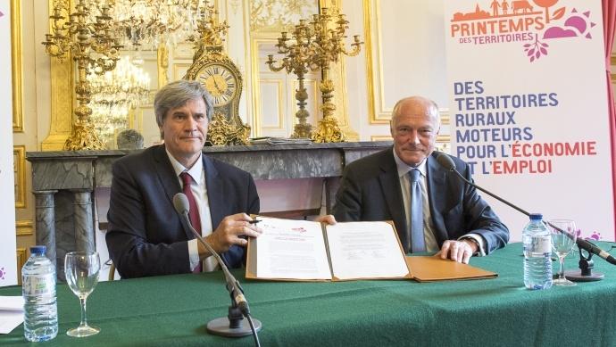 Signature de la convention entre le ministère de l'Agriculture et les régions
