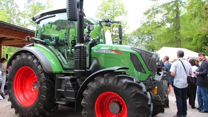 tracteur Fendt 300 Vario Stage IV