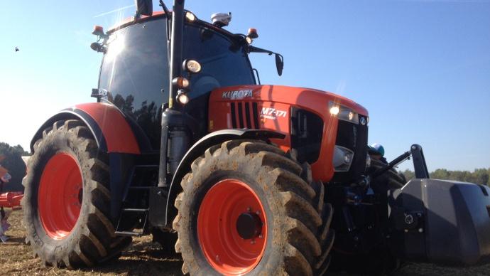 Dossier spcial simachinisme 2011 - Histoire du tracteur ...