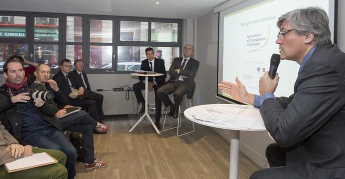 Stéphane Le Foll et Xavier Beulin présentent le forum international