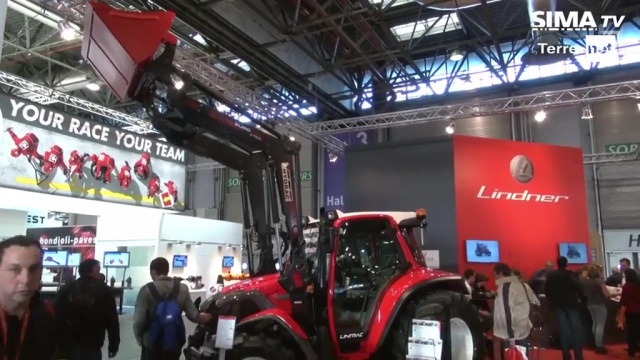 Des tracteurs haut de gamme pour l'élevage chez Lindner