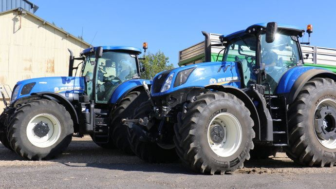New Holland T7 contre New Holland T7 HD