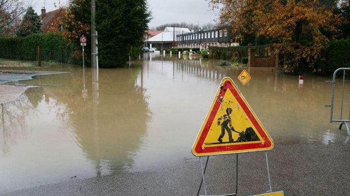 Cultures détruites, routes barrées, arbres arrachés...: les intempéries en Haute-Loire du mardi 13 juin ont fait des dégâts considérables. Mais ce n'est pas le pire. En voulant porter secours, un jeune agriculteur est décédé, emporté par les eaux.