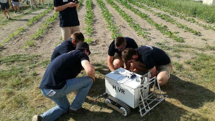 Rob'Olympiades, 5 fils d'agriculteurs étudiants à Unilasalle gagnent le prix