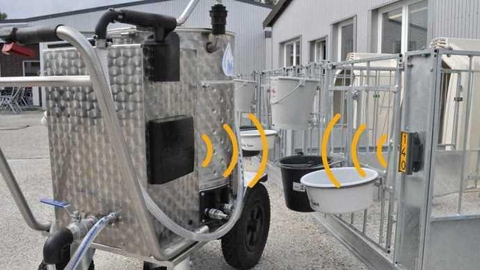 Le taxi lait 4.0 de Holm & Laue distribue automatiquement la quantité de lait nécessaire