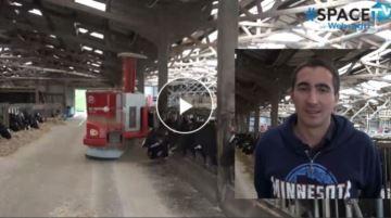 Alimentation, traite et paillage robotisés au Gaec du Tertre Goutte (22)