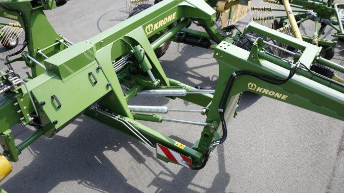 Détail de la suspension de rotor d'un Krone Swadro 1400 plus