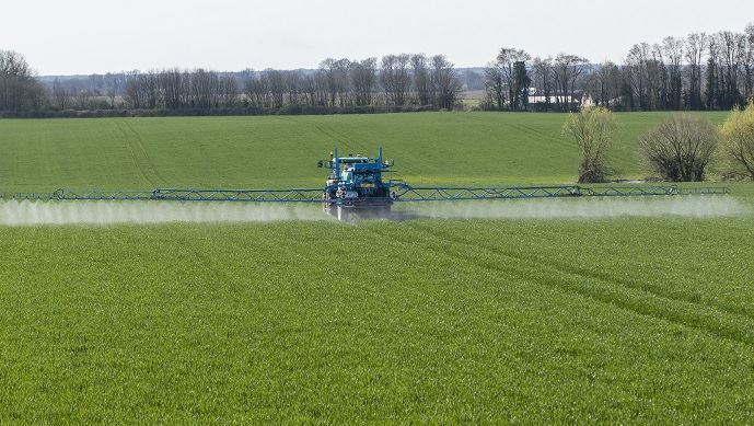 si elle est mise en oeuvre, la séparation de la vente et du conseil en produits phytosanitaires va bouleverser la distribution agricole.