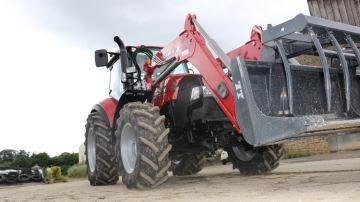Cinq tracteurs d'élevage testés par des éleveurs