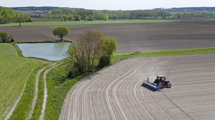 Malgré les promesses du Gouvernement il y a un an, le dossier de la gestion de la ressource en eau n'a pas avancé, selon plusieurs organisations professionnelles agricoles.