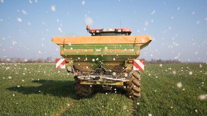 Les industriels de la fertilisation travaillent à la réduction de la volatilisation de l'ammoniac dans l'air et des teneurs en cadmium dans le sol.