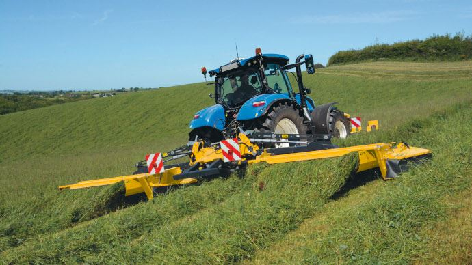 Faucheuse triple Mega Cutter de New Holland