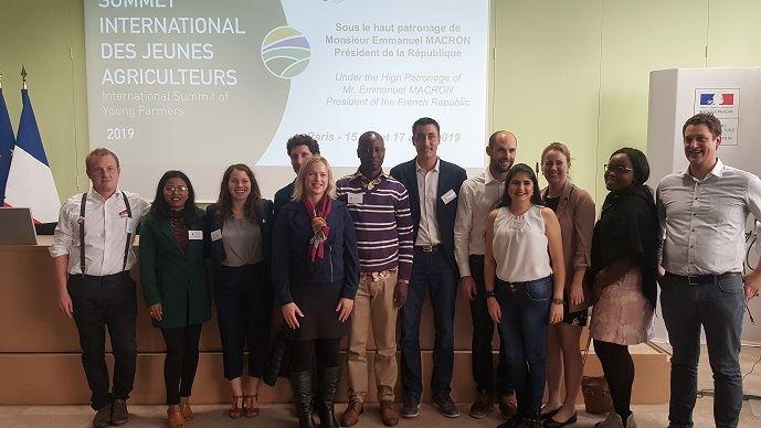 Une dizaine de représentants d'organisations représentatives de jeunes agriculteurs, venus des cinq continents, étaient réunis pendant trois jours, du 15 au 17 avril 2019, pour un Sommet international des jeunes agriculteurs.