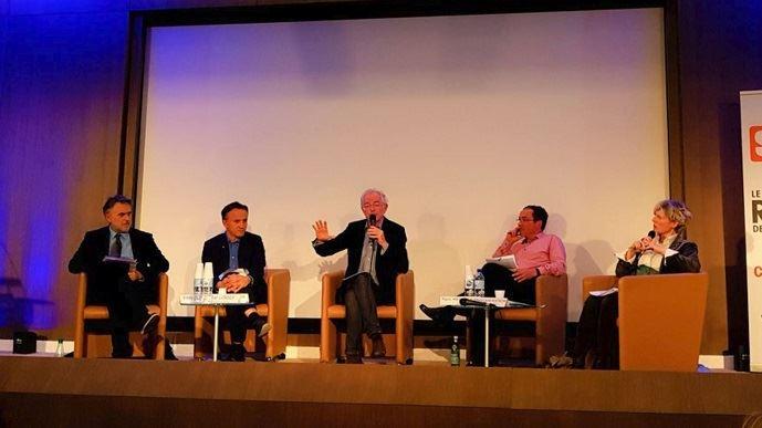 Lors d'un débat organisé par le Syrpa, le réseau des agricommunicants, Eddy Fougier politologue, Philippe Mauguin, PDG de l'Inra, Mac Lesggy, animateur d'E=M6, Eric Mennessier, journaliste au FIgaro, débattaient de la place de la science dans les débats sur les enjeux agricoles.