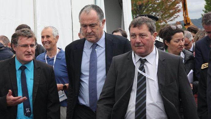 Didier Guillaume, ministre de l'agriculture, ici aux côtés de Jacques Chazalet, président du salon, a inauguré le Sommet de l'élevage, mercredi 2 octobre 2019.