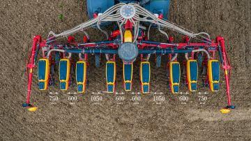 Väderstad Widelining optimise la densité de semis,même aux passages des roues