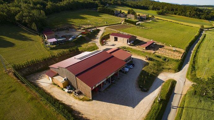 Difficile d'augmenter la SAU actuelle de 26ha pourLéo Girard au vu du prix du foncier de son secteur.