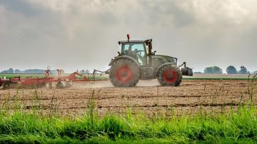 Intrants taxés, aides à l'hectare supprimées: les idées choc de France Stratégie