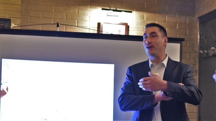 Samuel Vandaele, président de JA, présente les sujets de JA pour 2020 lors de