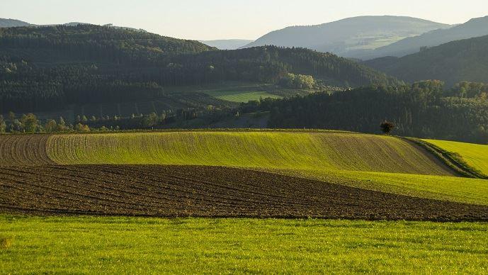 Sur des terres classées spécifiquement, un fermier doit respecter les engagements afférents à ce classement.