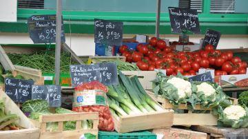 Le ministre de l'Agriculture appelle maires et préfets à rouvrir les marchés