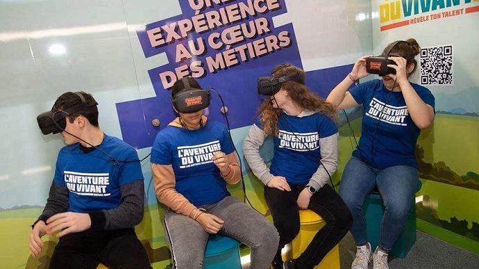 lunettes de realite virtuelle pour faire decouvrirl enseignement agricole au salon de l'agriculture