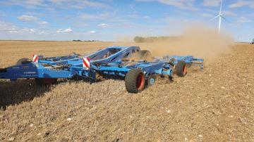 Koralin: le déchaumeur hybride qui va vous scalper l'herbe sous le pied