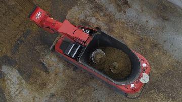Aura: lamélangeuse automotrice autonome qui se sert directement dans le silo