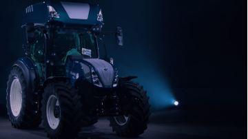 Le New Holland T5.140 H2 Dual Power carbure à l'hydrogène