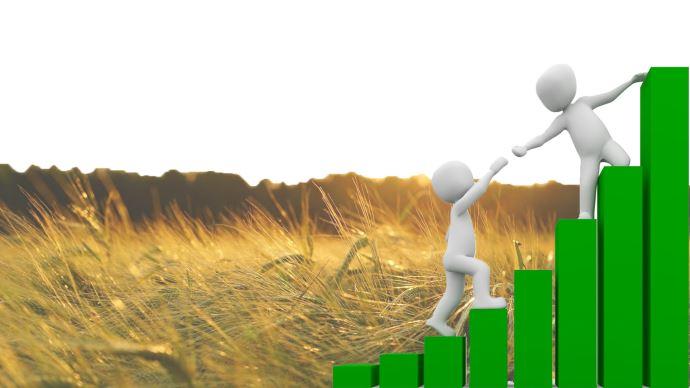 Sur le modèle des plans de sauvegarde pour l'emploi, des plans de sauvegarde agricoles pourraient être mis en place par les coopératives, estime Bertrand Valiorgue.