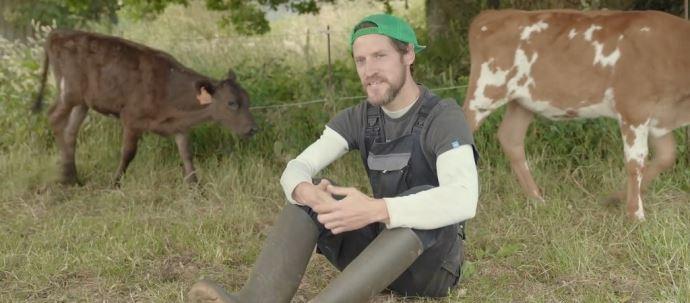 Romain, éleveur laitier dans le Finistère