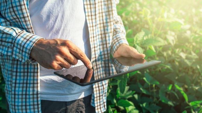 agriculteur smartphone