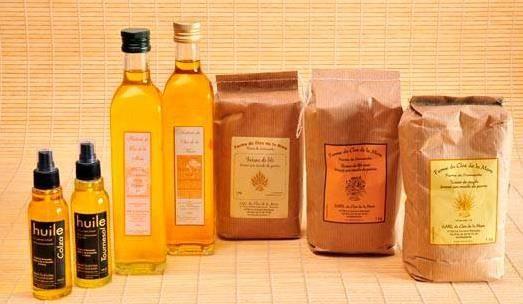 Bouteilles d'huile de colza