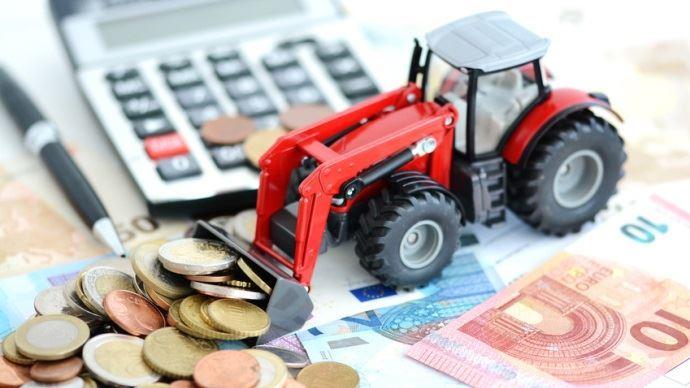 calculatrice et tracteur jouet