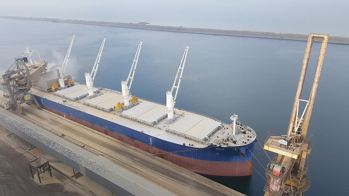 Vraquier au port de Dunkerque
