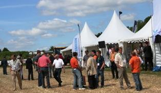 Plus de 1.000 visiteurs professionnels venus essayer sept tracteurs en variation continue