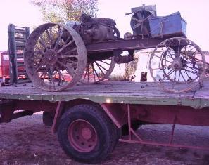 Ils redonnent vie aux vieux tracteurs