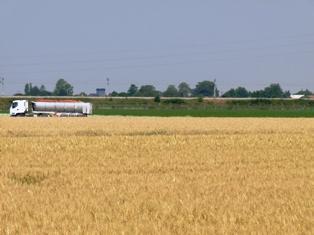 Le relèvement à 44 tonnes du poids maximal aura des effets limités pour les agriculteurs