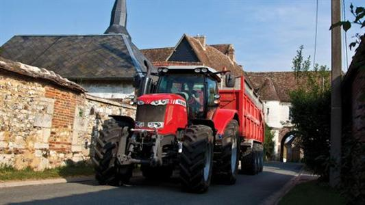 Plus de 60% des agriculteurs favorables à l'homologation à 50 km/h des tracteurs