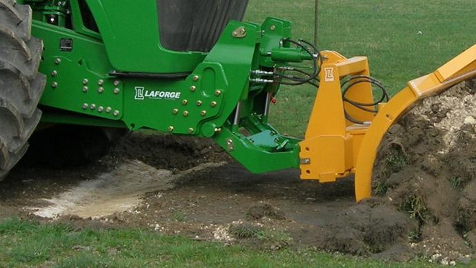 Un nouveau relevage avant destiné aux tracteurs John Deere 9R